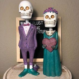 Other - Halloween skeleton couple figurines